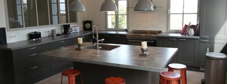Cuisine style loft avec châssis atelier bois