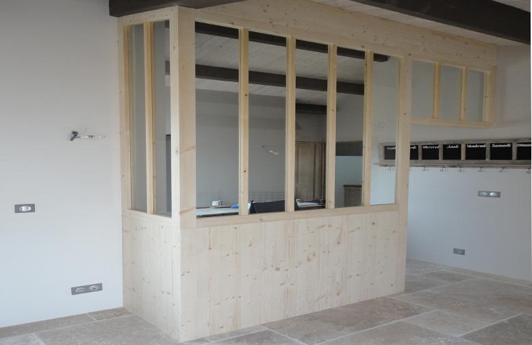 charmant Fabrication sur mesure de châssis atelier en bois ou acier avec vitrage  pour séparer une pièce ou donner un style loft à votre intérieur.